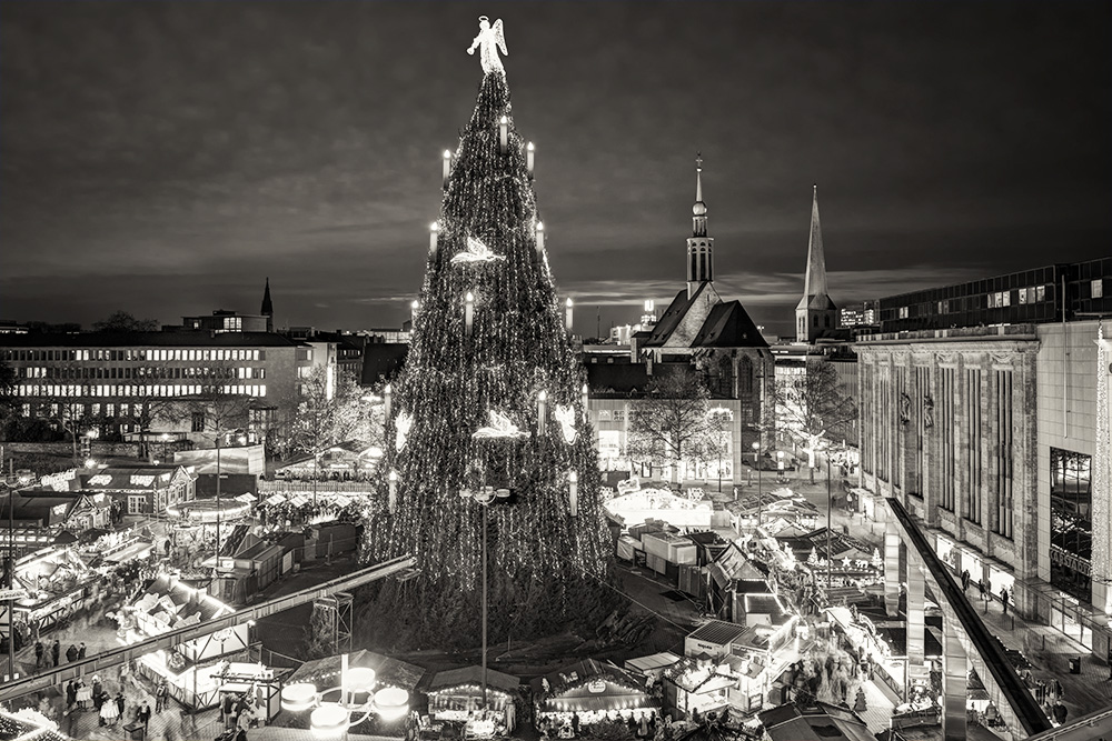 """Weihnachtsmarkt, Dortmund, 2013 © Thomas Pflaum/ www.ruhrfoto.com"