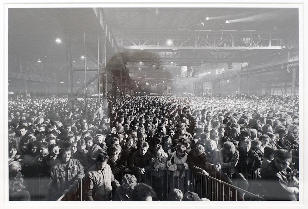 42000 Menschen besuchten das Solidaritätskonzert AufRuhr, live übertragen im Fernsehen. Viele Künstler kamen, von Hannes Wader bis Herbert Grönemeyer, von den Toten Hosen bis zur Zeltinger Band. 20.02.1988