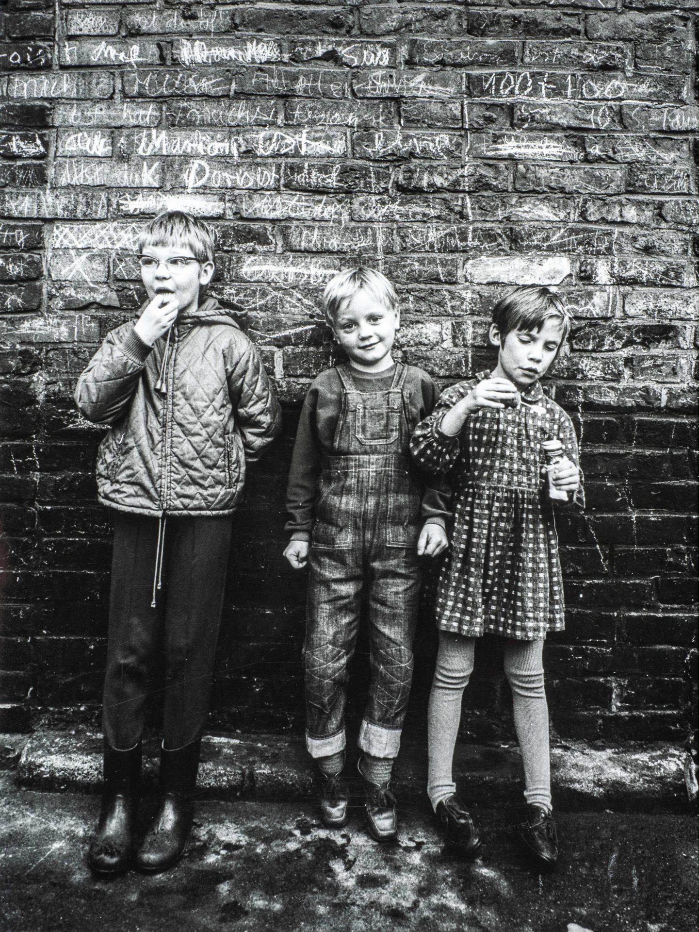 Kinder in einem Vorort Duisburgs, 1969. Foto: Wolfgang P. Schreier.